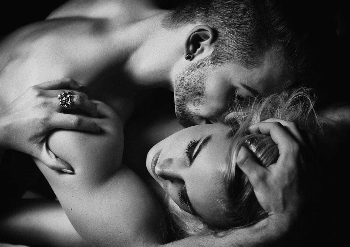 Картинки любовь романтика страсть черно белые
